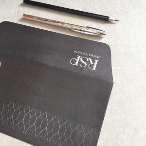 Impressão de Envelopes com corte diferenciado